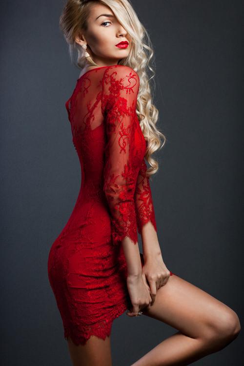 kırmızı dantel elbise modelleri 3