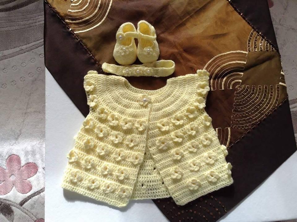 elişi örgü bebek yelekleri 17